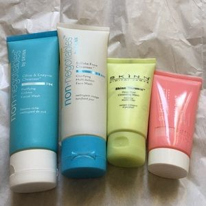 Other - Skinn 4pc Face Cleanser set
